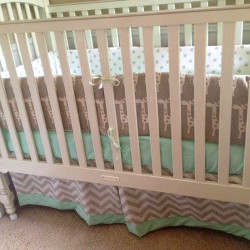 Mint Giraffe Baby Bedding Set
